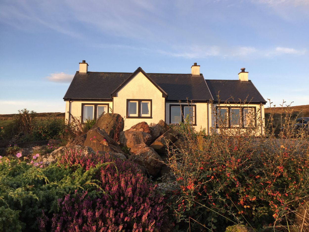 SKYE HOLIDAY COTTAGE: Creagach Cottage